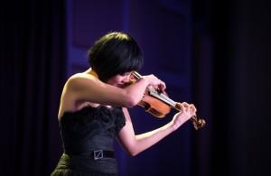 Jennifer-Koh-Bach-and-Beyond-Photo-by-Jan-Gates-44-1024x668